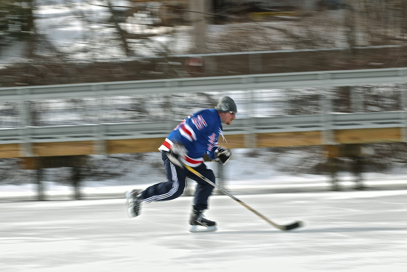 20140208_EMCphotography_PondHockeyCongersLakeNY-49.jpg