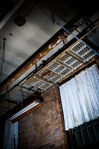 Ceiling + radiators = kinda creepy