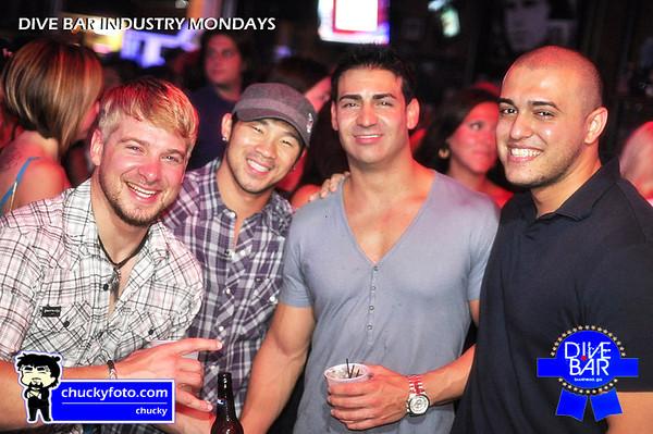Dive Bar Industry Mondays - 08.01.2011