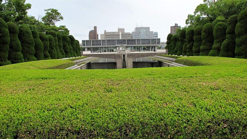 hiroshimapeacememorialpark-1771804749-o_16201541604_o.jpg