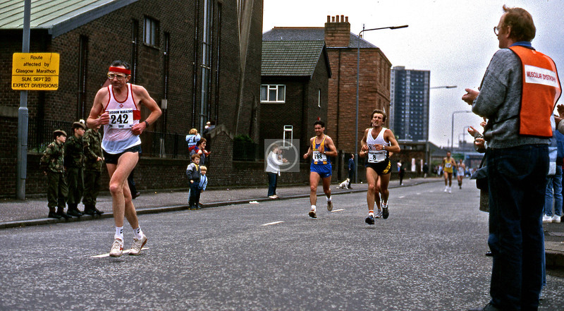 Last mile or so of the 1987 Glasgow Marathon, in Ballater St. My brother was running in it, and that's my sister-in-law with Nephews #1, #2, and #3.