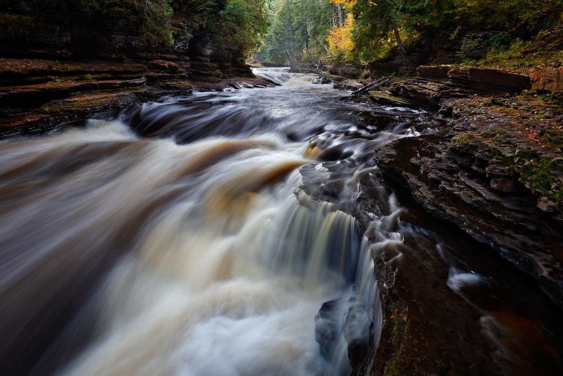 Under Autumn - Presque Isle (Porcupine Mountains State Park - Upper Michigan)