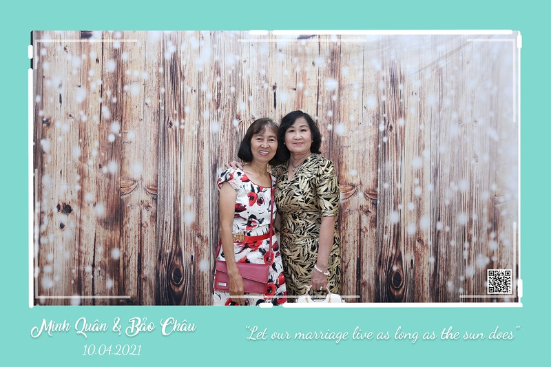 QC-wedding-instant-print-photobooth-Chup-hinh-lay-lien-in-anh-lay-ngay-Tiec-cuoi-WefieBox-Photobooth-Vietnam-cho-thue-photo-booth-108.jpg