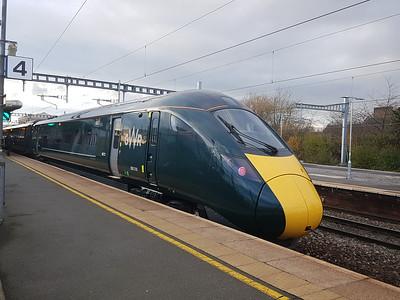 800 318, Swindon Station