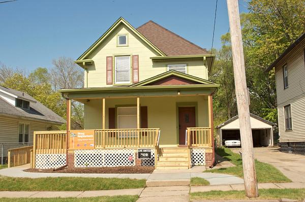 05 06 16  Neighborhood Strong Houses