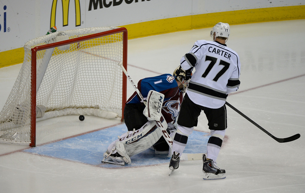 . DENVER, CO - FEBRUARY 18: Los Angeles Kings center Jeff Carter (77) watches his redirect of the puck hit the back of the goal for a score on Colorado Avalanche goalie Semyon Varlamov (1) during the second period February 18, 2015 at Pepsi Center. (Photo By John Leyba/The Denver Post)
