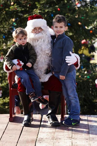 Santa In The Park 20190136.JPG