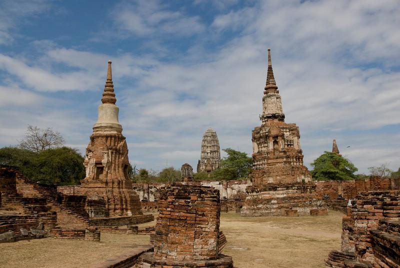 Wat Maha That 2 - Ayutthaya, Thailand.jpg