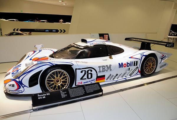 Porsche 911 GT1.jpg