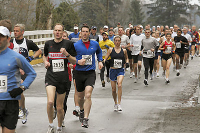2005 Comox Valley Half Marathon - ComoxHalf2005-Al-Livsey-087.jpg