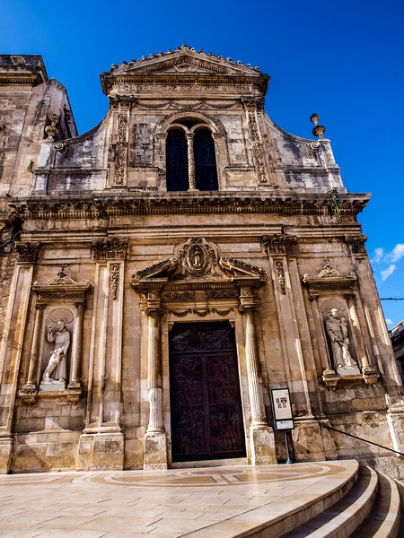 Chiesa di San Francesco D'Assisi  -  Piazza della Liberta- Ostuni:La Città Bianca...the white City...