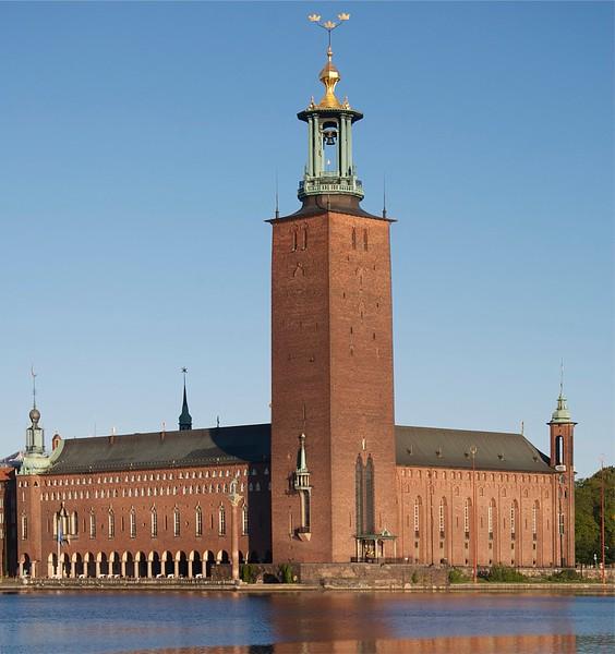 023-Stockholms_stadshus_september_2011.jpg