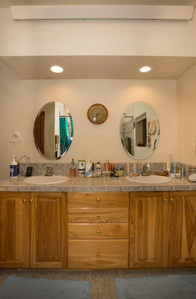 bathroom (1 of 1)-4.jpg