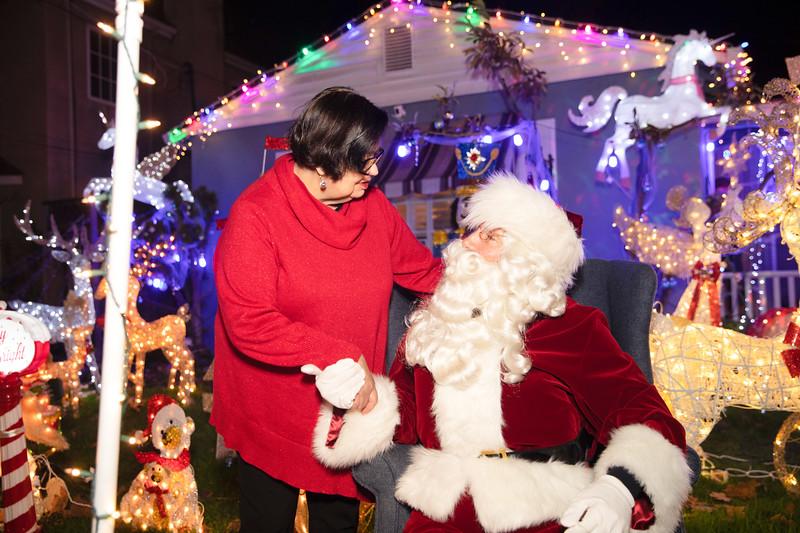 12-08-19-Christmas With Chris & Family-39.jpg