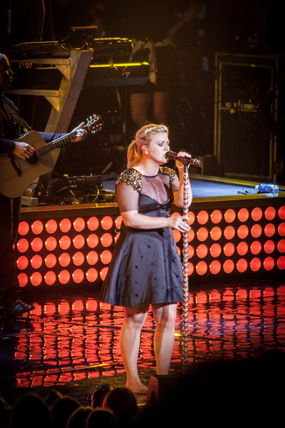 Kelly & Maroon 5 Concert