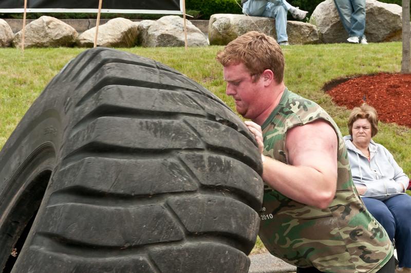 Fitness Revolution Strongman Challenge 2011_ERF4129.jpg