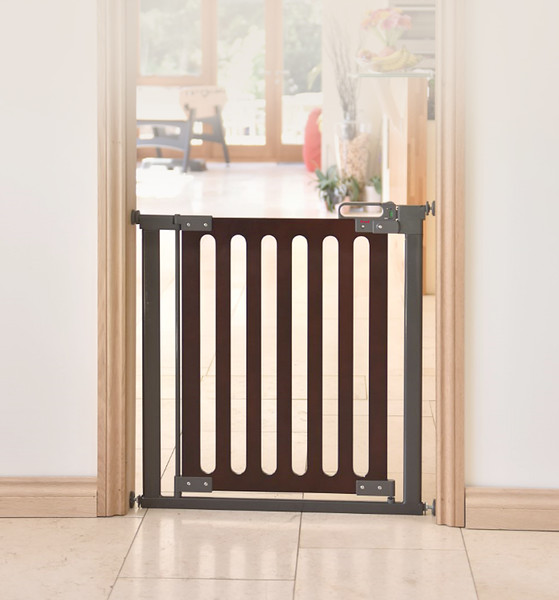 Fred_Stairgates_Screw_Fit_Wooden_Gate_Lifestyle.jpg