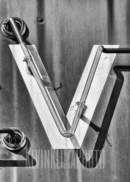 V-1.jpg