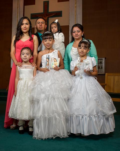 Communion Hispanic-9226-25 8x10.JPG