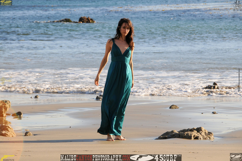 matador swimsuit malibu model 007.0090.jpg
