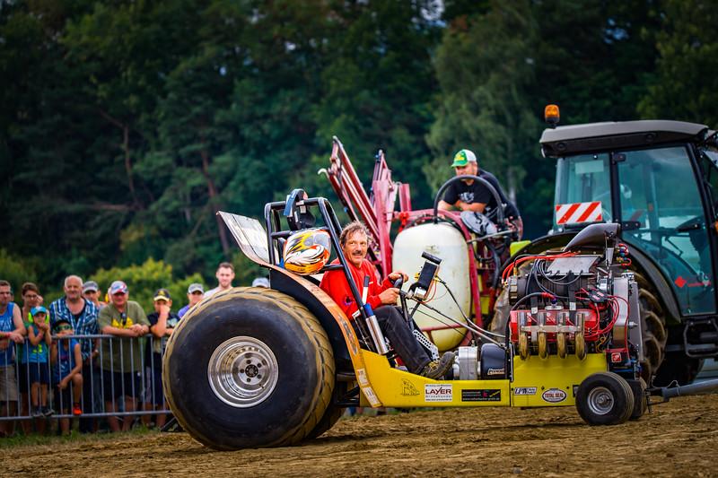 Tractor Pulling 2015-02310.jpg