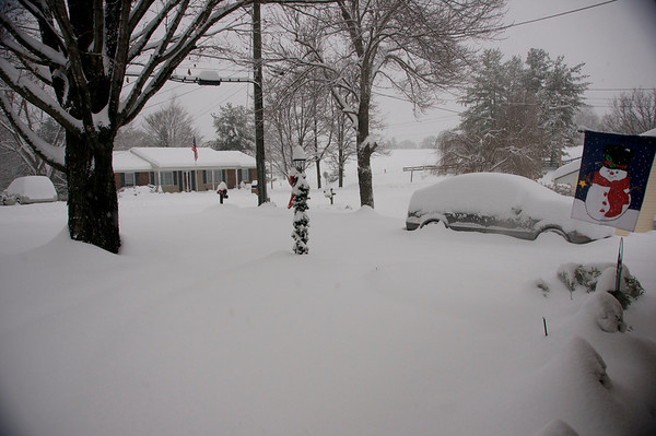 Snow Storm: December 18-19, 2009; 14-18 inches in the front and back