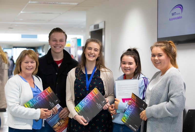 30/03/2019. FREE TO USE IMAGE. Thousands of CAO, part-time and postgraduate applicants visited WIT's Spring open events on Friday evening and Saturday morning. WIT is Ireland's top ranked institute of technology. Pictured are Deirdre McCarthy, Eoghan Murphy, Louise McCarthy and Emma McCarty from Cork with Aine Byrne student ambassador (Pictured centre). Picture: Patrick Browne
