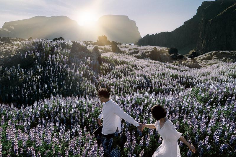 Tu-Nguyen-Destination-Wedding-Photographer-Iceland-Elopement-Fjaðrárgljúfur-16-98.jpg
