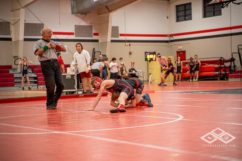 Wrestling at Granite City-09009.jpg