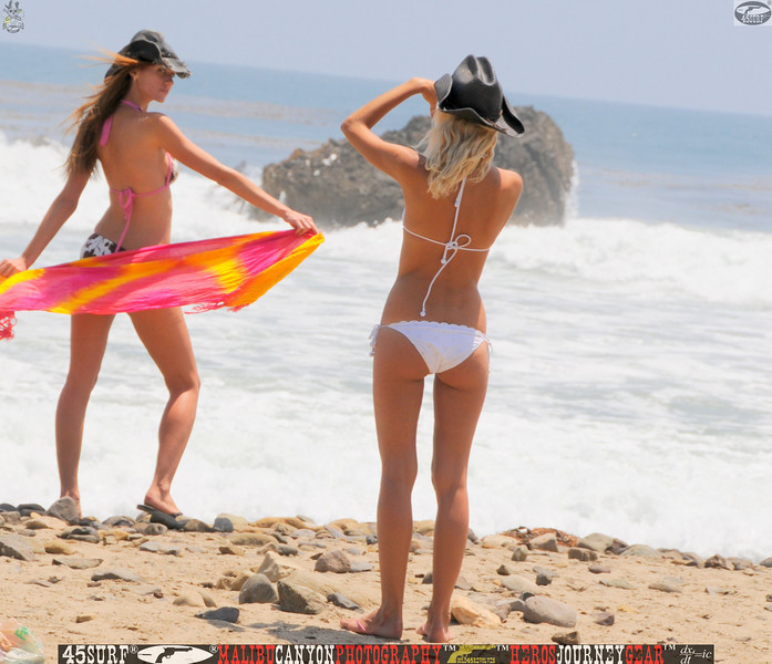 leo carillos surf's up beautiful swimsuit model 45surf 1611.,.,.