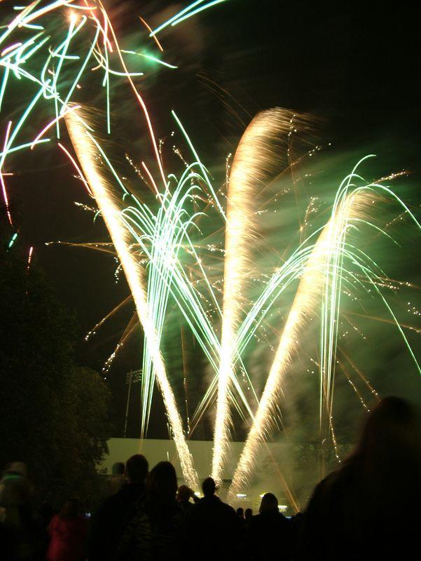 2004_1105putneyfireworks20018.JPG
