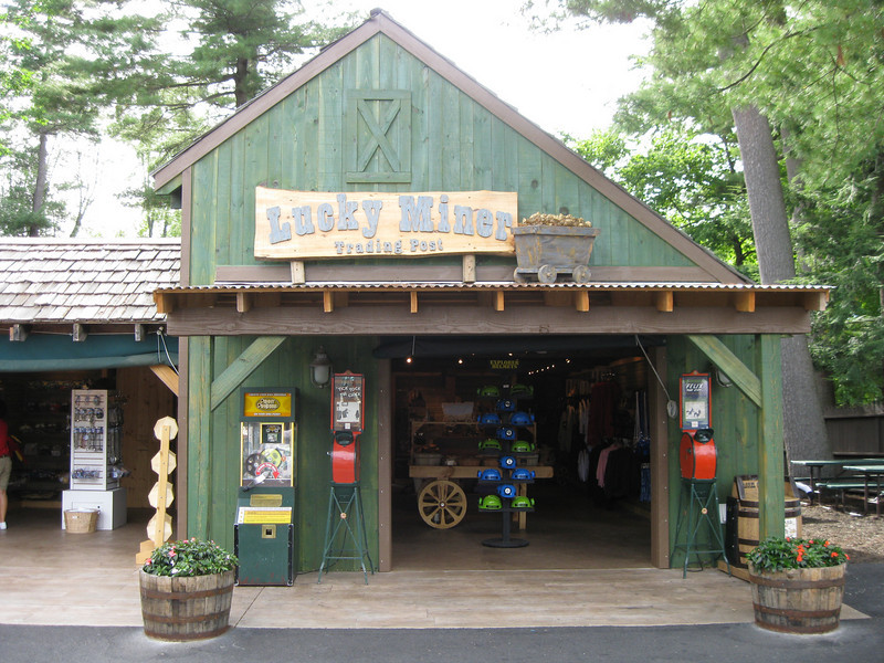 The Lumberjack Ice Cream gift shop was renamed the Lucky Miner Trading Post.