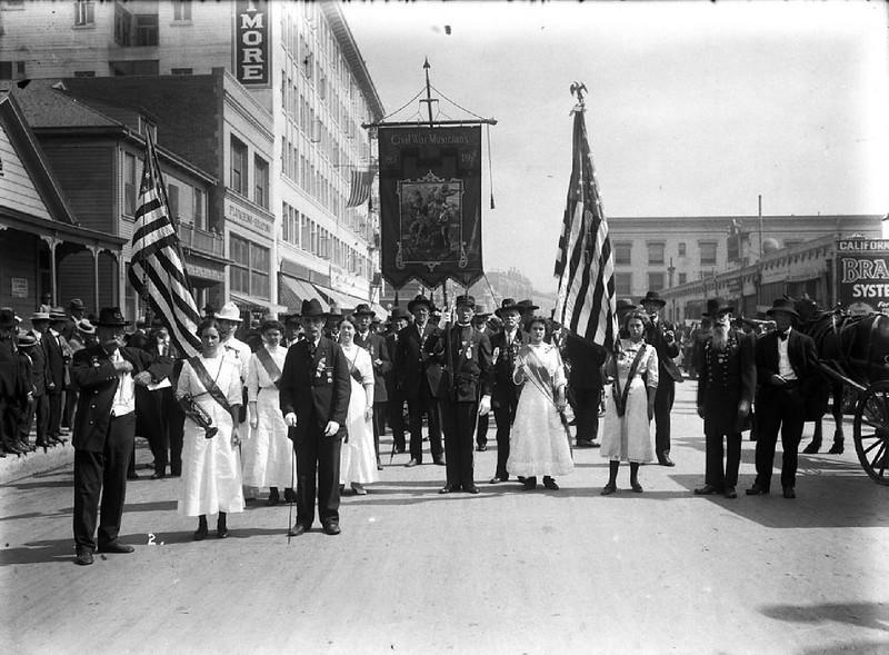Civil War Musicians in a Memorial Day parade in Los Angeles, ca.1915