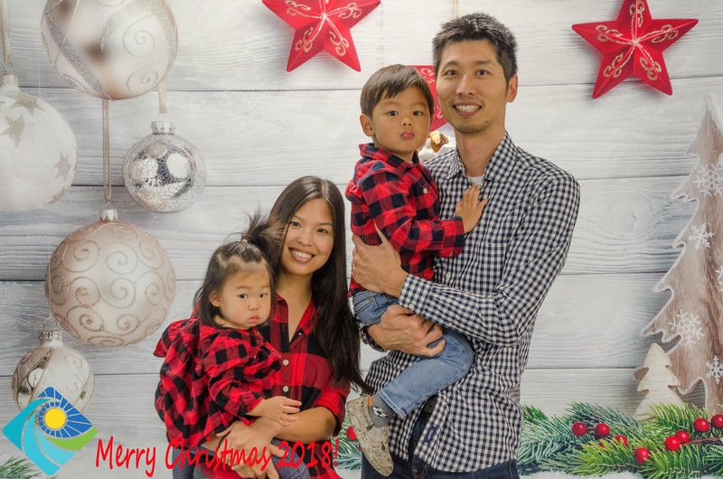 Christmas Photobooth 2018 Sunday-096.jpg