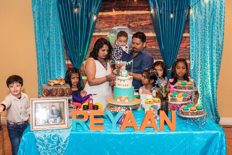 Reyaan_1st_Bday-133.jpg