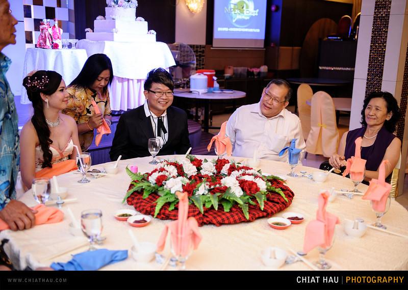 Chee Hou + Li Li - Actual Day Bride Dinner -_-55.jpg