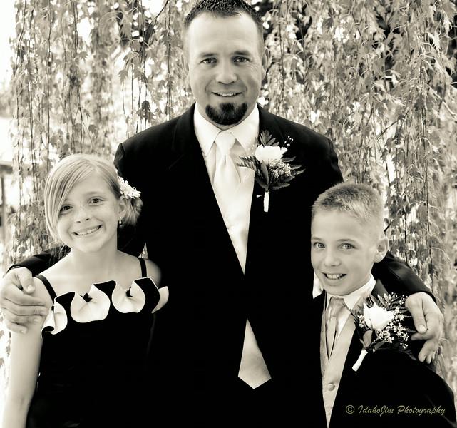 Jenkins Wedding Photos B&W-16.jpg