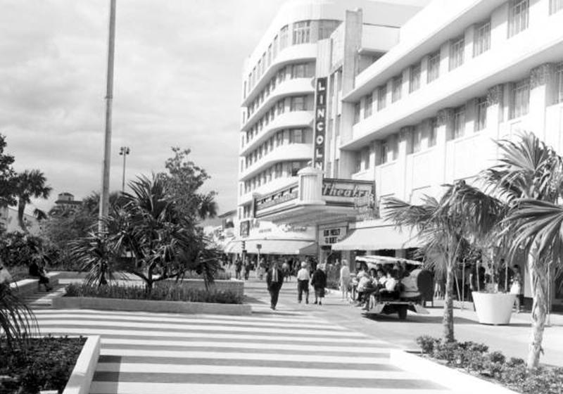1960 Linoln Theatre_c034724.jpg