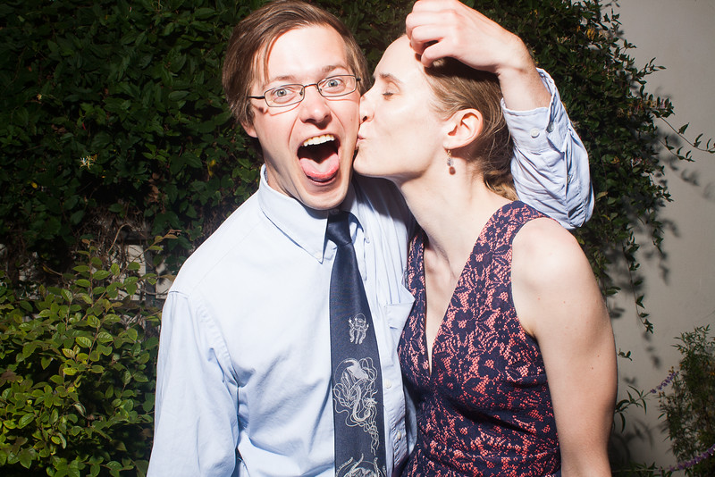 CaitlinChrisWeddingPhotobooth-0161.jpg