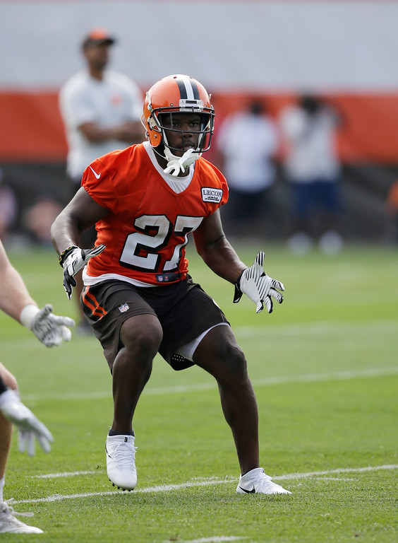 . Cleveland Browns running back Matt Dayes runs a route during practice at the NFL football team\'s training camp facility, Thursday, July 27, 2017, in Berea, Ohio. (AP Photo/Tony Dejak)