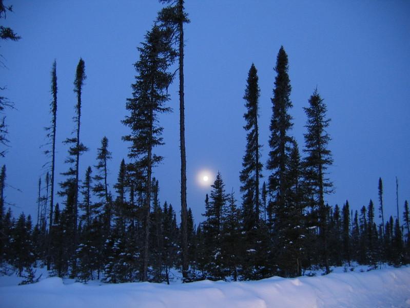 IMG_2723_sunrise_fort_hope_winter_road_resize.JPG
