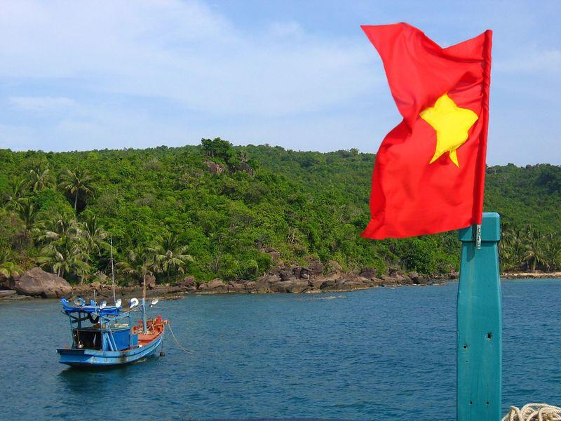flag_n_boat.JPG