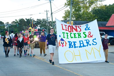 Pineville High Homecoming Parade 2017