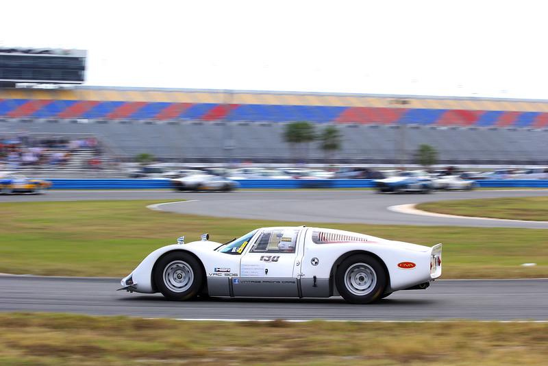 Classic24-2014_4015 Porsche906.jpg