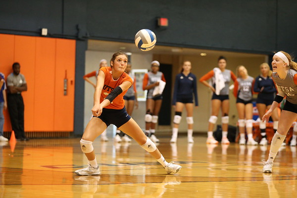 UTSA Volleyball 2018 vs UTSA Alumni