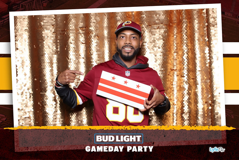 washington-redskins-philadelphia-eagles-football-bud-light-photobooth-20181203-205844.jpg