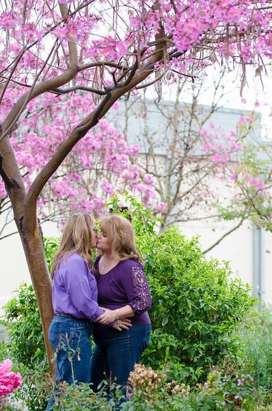 SuzysSnapshots_Irma+Angie-0878.jpg