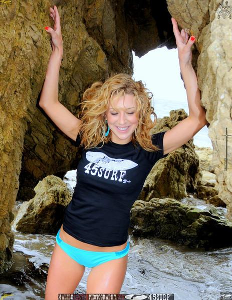 beautiful woman malibu swimsuit model 45surf beautiful 120.45.45.