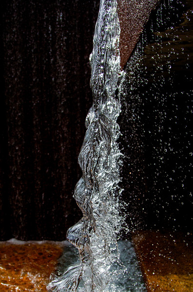 Instantaneous side-view of a water sheet.