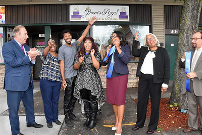 City welcomes Queen's Royal to Maplewood. 9/29/2016